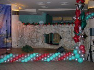 Оригинальное Новогоднее украшение шарами недорого