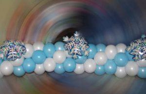 Красивая гирлянда из шаров на Новый год недорого