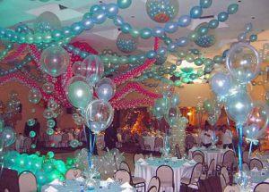 Недорогое оформление интерьера на новый год воздушными шариками в Москве