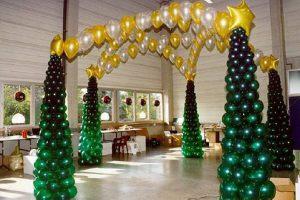 Красивое оформление интерьера на новый год воздушными шарами