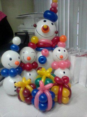 Недорогая новогодняя композиция воздушными шарами в Москве
