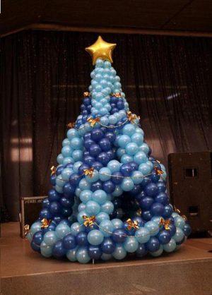 Стильное оформление корпоратива на новый год шарами в Москве