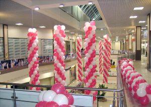 Стильное украшение на новый год шарами недорого