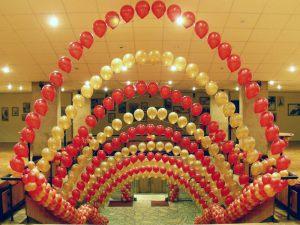 Современное украшение на новый год шарами
