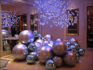 Бюджетное оформление шарами на новый год воздушными шарами в Москве
