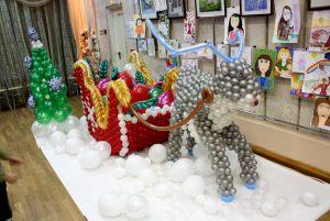 Интересное оформление шарами на новый год срочно