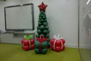 Тематическое оформление класса шарами на новый год воздушными шариками недорого