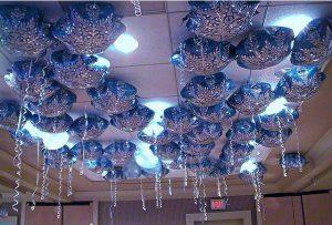 Недорогое оформление класса шарами на новый год шарами