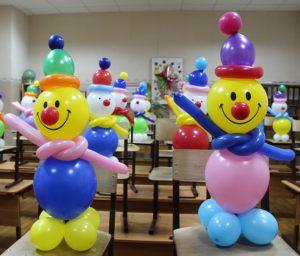 Красивое оформление класса шарами на новый год воздушными шарами в Москве