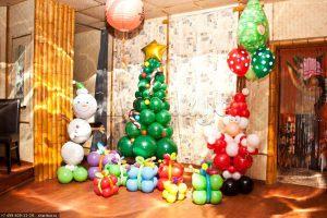 Оригинальное оформление новогоднего праздника шариками срочно