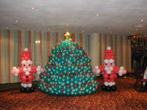 Недорогое оформление новогоднего праздника воздушными шарами срочно