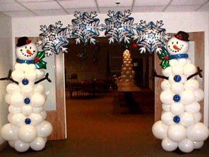Необычное оформление новогоднего праздника шариками недорого