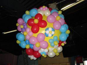 Недорогие большие шары на новый год в Москве
