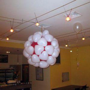 Необычные большие шары на новый год в Москве