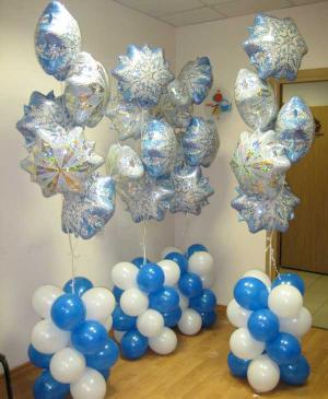 Современные снежинки из шаров на новый год воздушными шарами в Москве