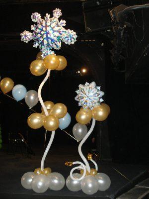 Красивые снежинки из шаров на новый год воздушными шариками срочно