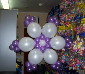Недорогие снежинки из шаров на новый год срочно