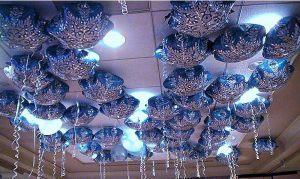 Стильные снежинки из шаров на новый год шариками недорого