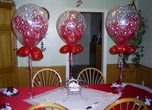Красивое оформление стола на новый год воздушными шарами в Москве