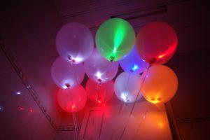 Оригинальные светящиеся шары на новый год в Москве