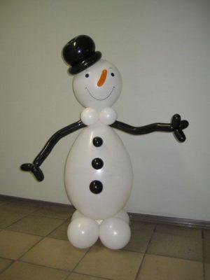 Стильный снеговик из шаров на новый год воздушными шариками недорого