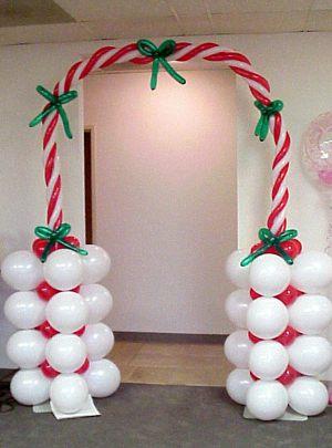 Современные украшение дома шарами на Новый год недорого