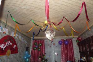 Оригинальные украшение дома шарами на Новый год срочно