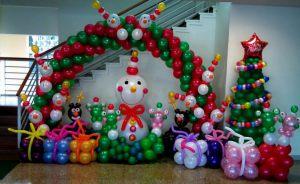 Интересные украшение дома шарами на Новый год в Москве