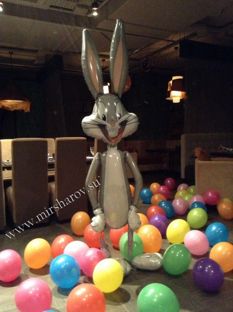 Современное оформление детского дня рождения шариками недорого