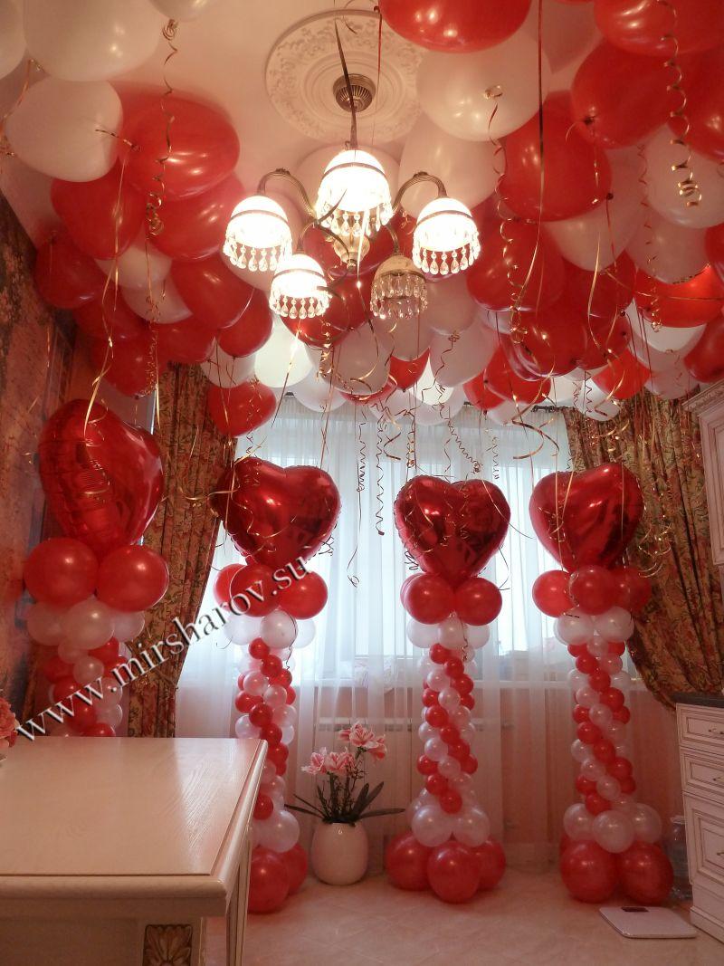 Оригинальное оформление женщине дня рождения шарами в Москве