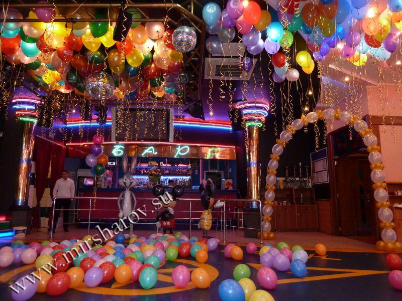 Необычное оформление первого дня рождения воздушными шарами