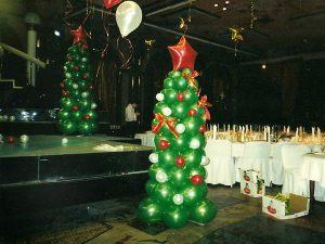 Тематическая елка из шаров на новый год срочно