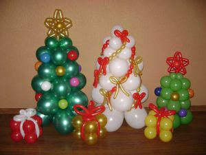 Красивое елка из шаров на новый год воздушными шариками