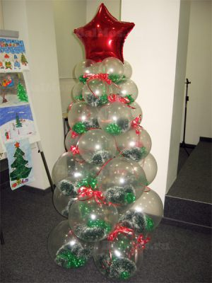 Необычная елка из шаров на новый год шариками недорого