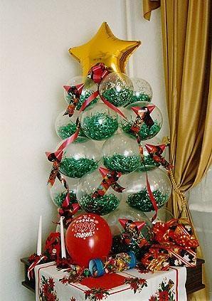 Стильная елка из шаров на новый год воздушными шариками в Москве