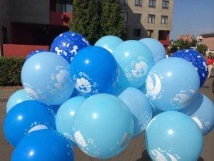 Бюджетное оформление гелиевыми шарами на выписку воздушными шариками срочно