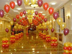 Недорогое оформление кабинета на день рождение шариками