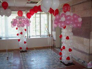 Интересное оформление класса на день рождение шарами недорого