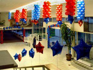 Красивое украшение магазина новогодними шарами заказать