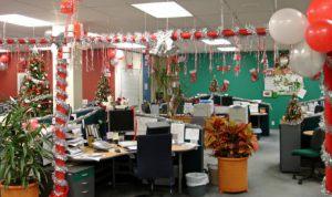 Интересное оформление офиса на новый год