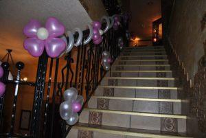 Красивое оформление подъезда на день рождения воздушными шарами в Москве