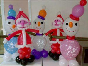 Недорогое украшение комнаты новогодними шарами заказать