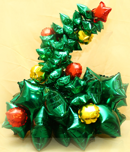 Бюджетный венок из шариков на Новый год недорого