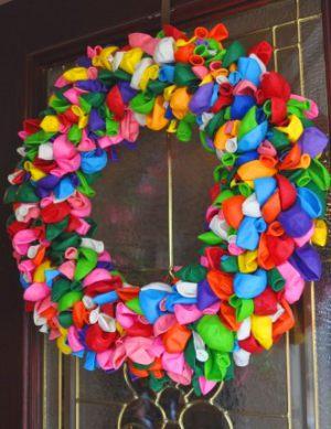 Недорогой венок из шариков на Новый год срочно