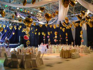 Бюджетное оформление зала на день рождение воздушными шарами недорого