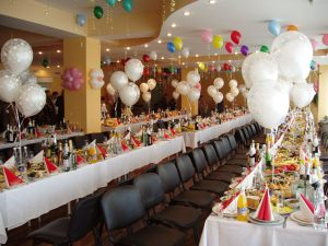 Бюджетное оформление зала на день рождение шариками в Москве